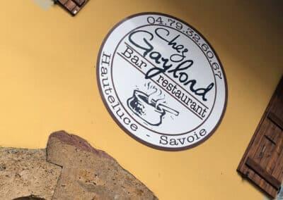 """Façade et porte d'entrée du restaurant """"Chez Gaylord"""""""