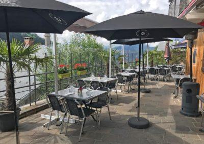 Déjeuner ou dîner sur la terrasse du restaurant chez Gaylord à Hauteluce savoie